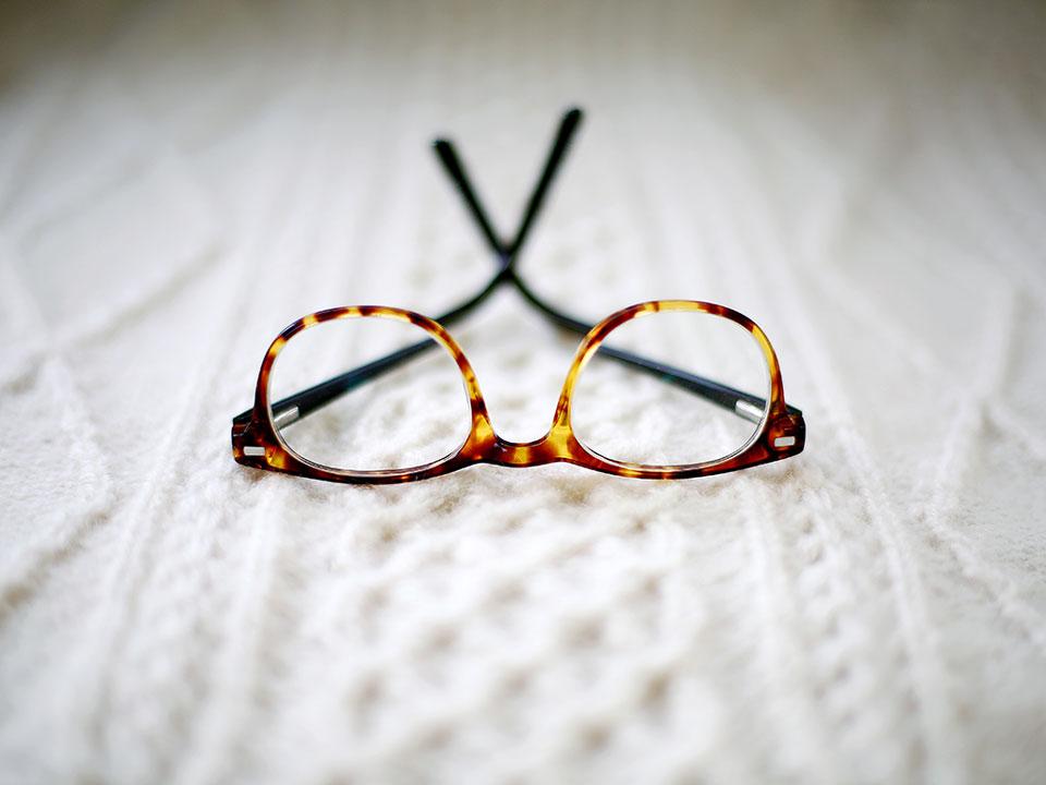 199ec91c8d2a7 Tratando ceratocone com óculos ou lentes de contato - Clínica Schaefer -  Oftalmologia em Curitiba